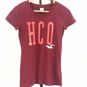 Hollister maroon t-shirt